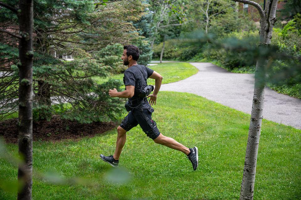 Egzoszkielet w akcji biegowej