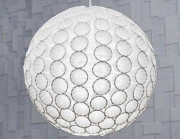 Efektowna lampa za grosze. Jak zrobić ją samodzielnie?