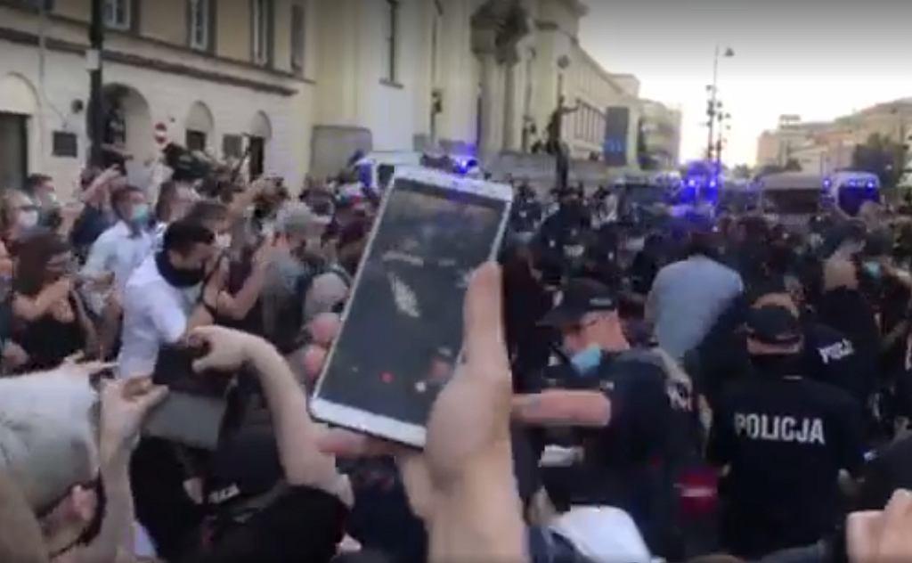 Protesty na Krakowskim Przedmieściu