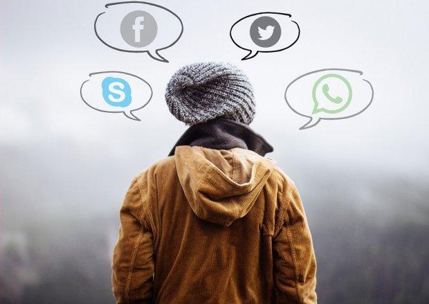 Wirtualny świat zajmuje coraz więcej miejsca w naszych życiach. (pixabay.com CC0)