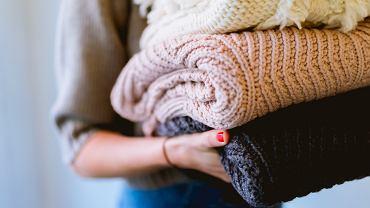 Modne swetry na jesień 2019