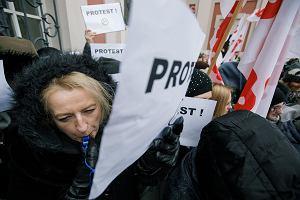 """""""Prezydencie, oszukałeś, gdzie ta Europa? Chcemy żyć godnie"""". Pracownicy socjalni w Poznaniu walczą o podwyżki"""