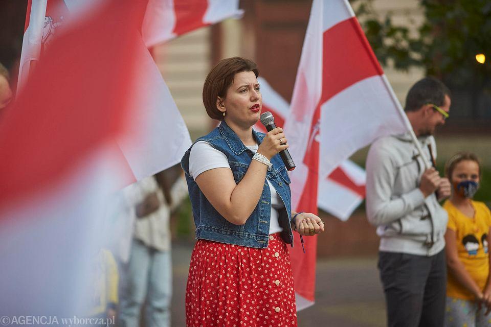 Przy ul. Piotrkowskiej w niedzielę 13 września odbyła się akcja pt. Solidarni z Białorusią. Łódź śpiewa 'Mury'