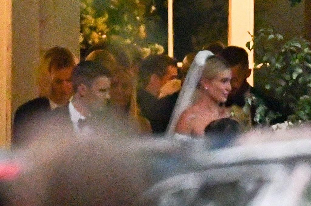 Justin Bieber i Hailey Baldwin chronieni w czasie ślubu