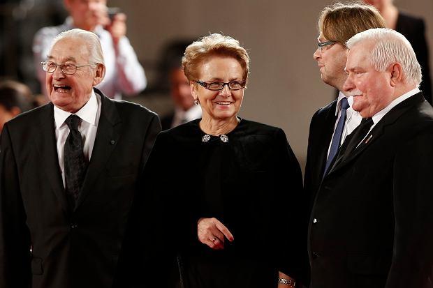 Danuta Wałęsa, Lech Wałęsa, Agnieszka Grocholska i Robert Więckiewicz, Andrzej Wajda