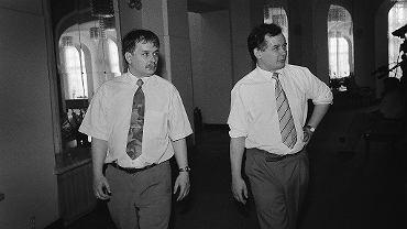 Lech i Jarosław Kaczyńscy w Sejmie, zdjęcie wykonano 9 września 1992 r.