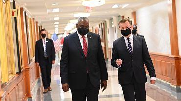 Od spotkania z sekretarzem obrony USA Lloydem Austinem minister obrony Mariusz Błaszczak rozpoczął wizytę w Stanach Zjednoczonych