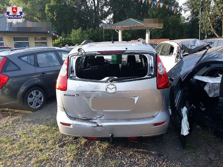 Kierujący BMW 23 latek uszkodził 11 samochodów w komisie w Białej Podlaskiej
