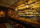 Jak się zachować w barze, żeby nie wyjść na aroganta? Barman wyjaśnia