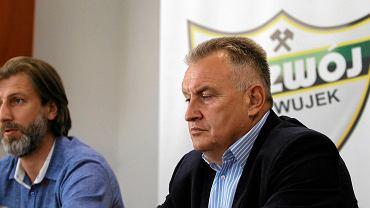Dyrektor Kamil Kosowski i trener Marek Motyka