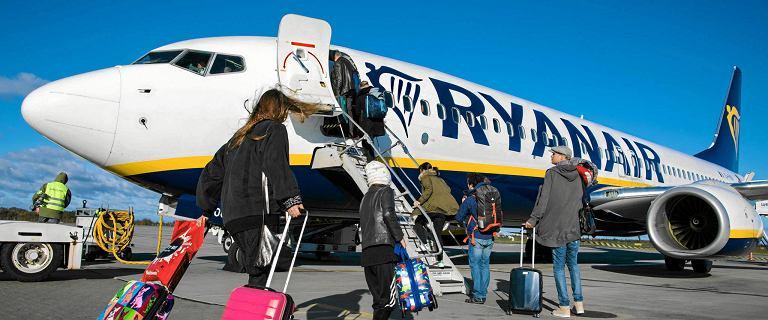 Pasażerowie Ryanaira spędzili sześć godzin w samolocie. Bo maszyna była za ciężka