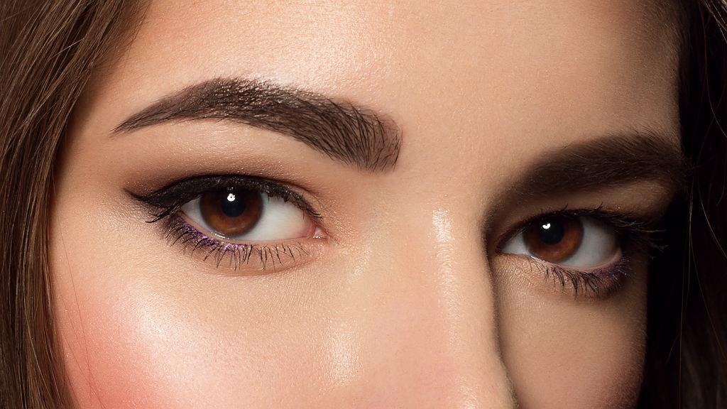 Idealny makijaż brwi krok po kroku produktami z drogerii
