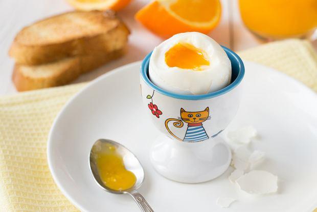 Jajko w diecie dziecka. Kiedy wprowadzić, na co uważać?
