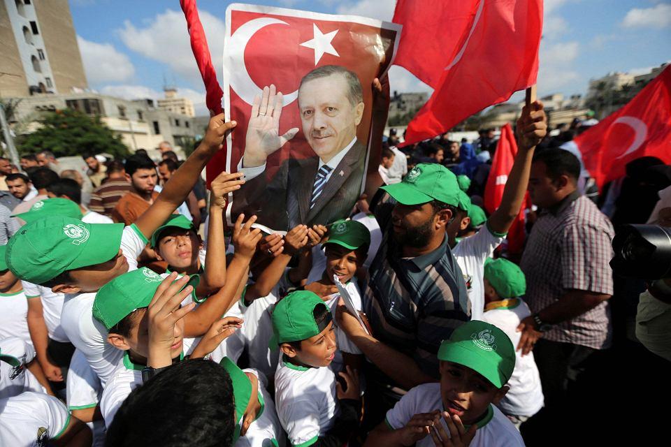 Erdogan stworzył wokół siebie prawdziwie dyktatorski kult wodza