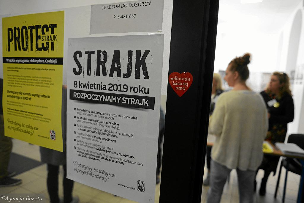 Znp Protestuje 70 Proc Szkół Jest Propozycja Strajku