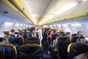 Przez sześć godzin siedzieli w samolocie, bo piloci spalali paliwo. A potem i tak musieli lądować, by dotankować