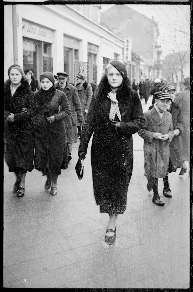 Zdjęcie numer 12 w galerii - Zdarzyło się... 1 listopada 1936 roku. Niepublikowane zdjęcia sprzed 81 lat