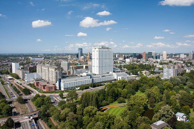 Rotterdam, Holandia - szpital Uniwersytetu Erasmus, który specjalizuje się m.in. w  medycynie i opiece zdrowotnej / shutterstock
