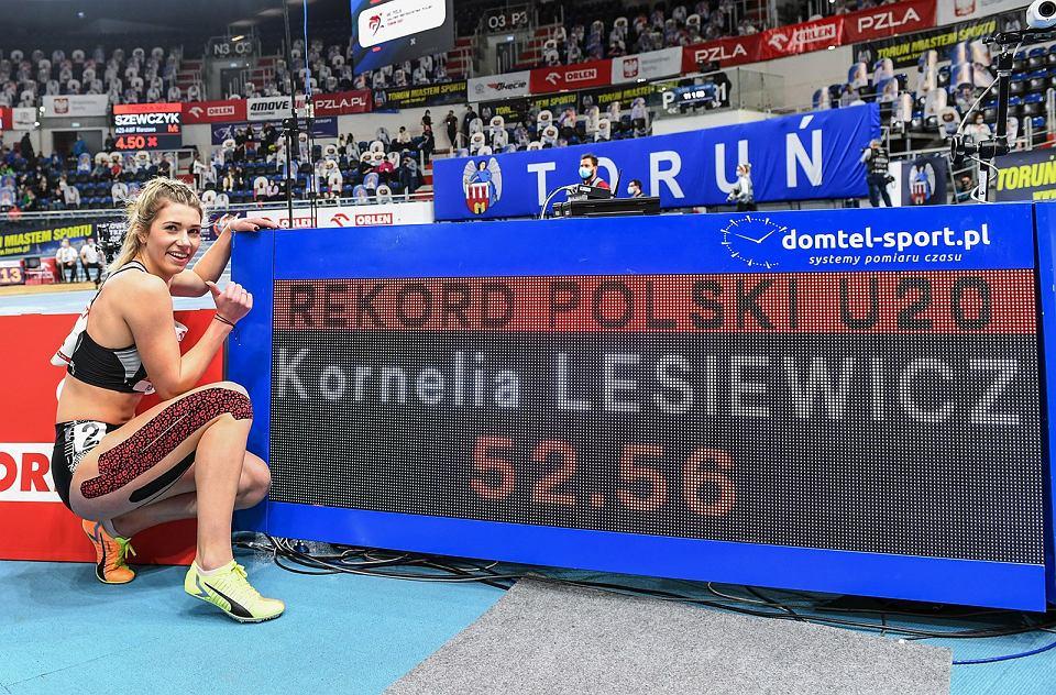Kornelia Lesiewicz z AZS AWF Gorzów srebrną medalistką halowych mistrzostw Polski seniorów w biegu na 400 metrów