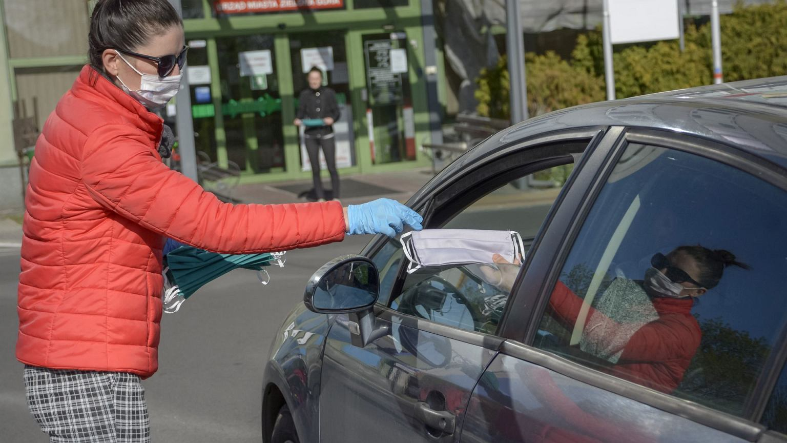 Nowe obostrzenia i przepisy dla kierowc