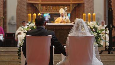 Śluby i wesela a pandemia: jakie plany mają pary?