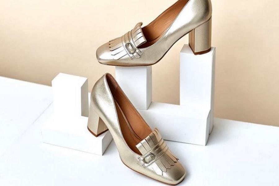 5f433c033528a2 Wyprzedaż w Kazar: buty i torebki w stylu casual i eleganckie