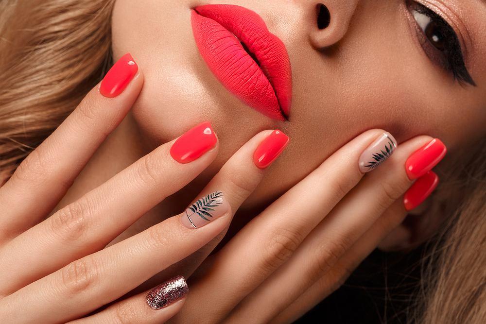 neonowe paznokcie modne paznokcie 2020