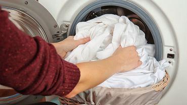 Jak doprać białe ubrania?