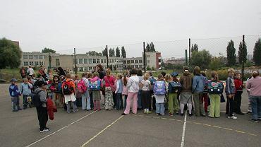 Alarm bombowy w przedszkolach w Warszawie. Treść wysłanych maili