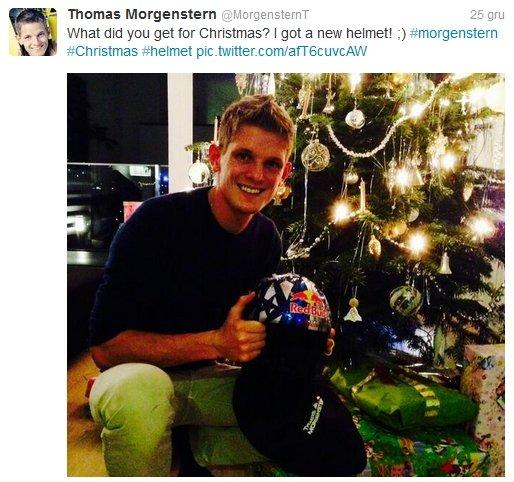 Thomas Morgenstern chwali się nowym kaskiem