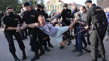 'Mówcie o nas! Piszcie o nas! Bez waszej pomocy sobie nie poradzimy!' - apelują Białorusini do całego świata.