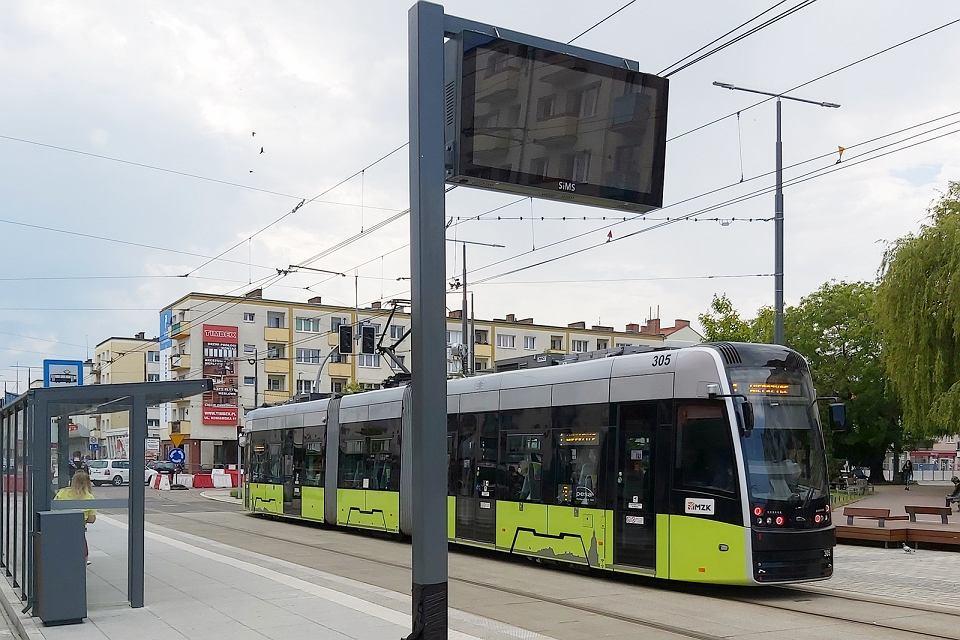 Zdjęcie numer 1 w galerii - Na przystankach w centrum pojawiły się pierwsze tablice informacji pasażerskiej