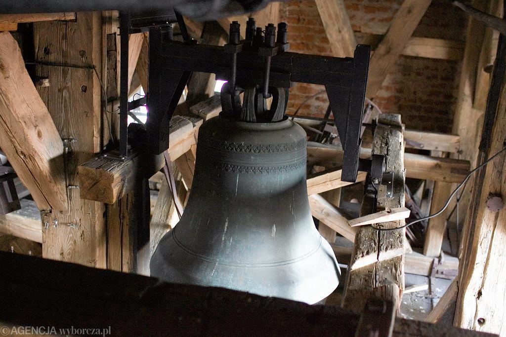 Dzwon kościelny (zdjęcie ilustracyjne)