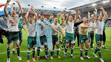 Piłkarze Śląska cieszą się po zdobyciu mistrzostwa Polski