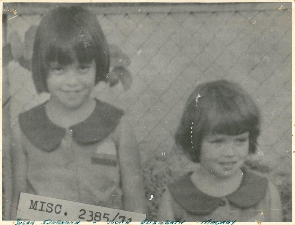 Judith i Susan Mackay na zdjęciu zrobionym przed ich zaginięciem.