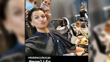 Anna Lewandowska z dziećmi u fryzjera