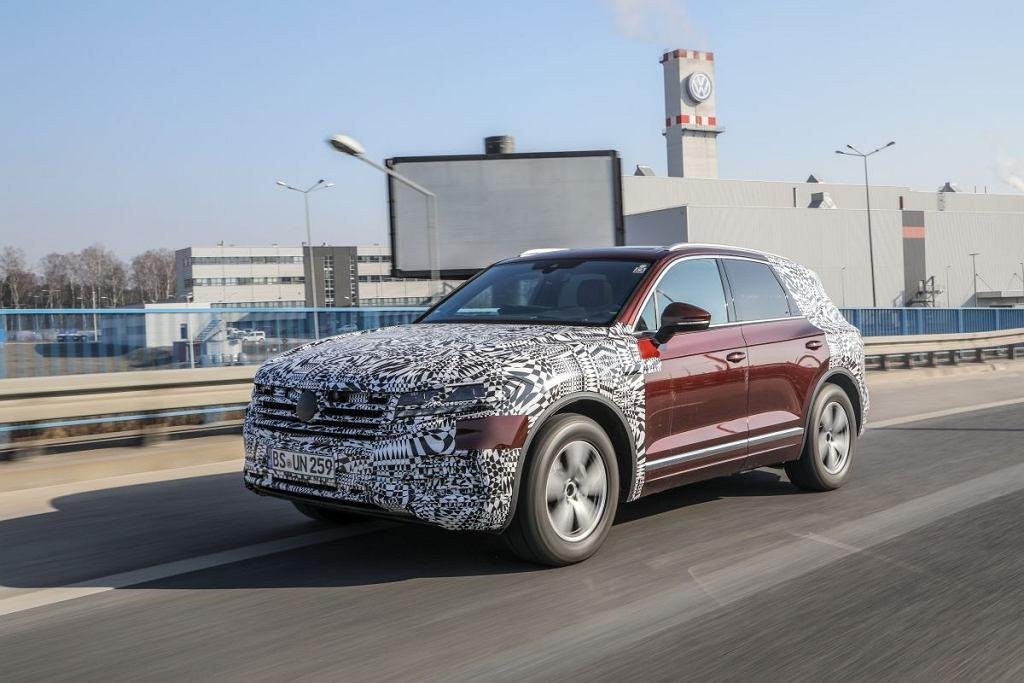 Zamaskowany Volkswagen Touareg w Polsce