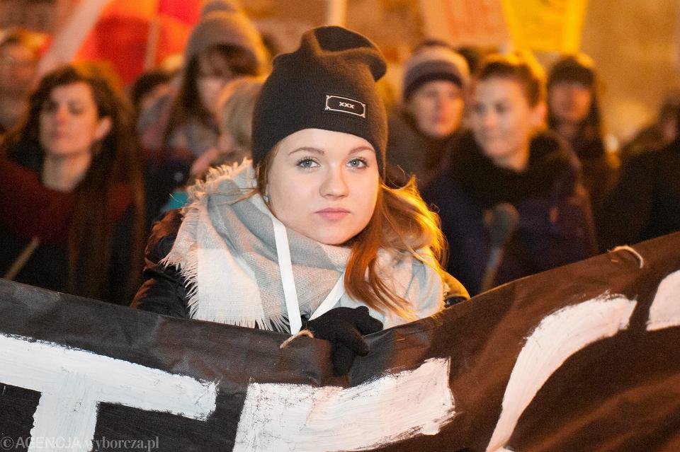 Natalia Kwaśnicka na Ogólnopolskim Proteście Studentek i Studentów, Wrocław, 2017 r.