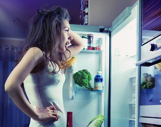 Mit nr 1: Nie jedz po 18:00 bo przytyjesz