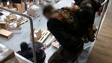 Funkcjonariusze CBŚP zatrzymali 35 podejrzanych, przejmując około 80 ton materiałów wybuchowych
