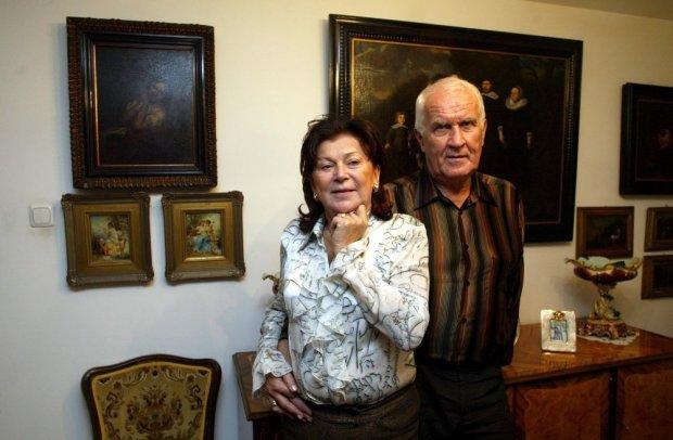Ariadna Gierek-Łapińska w swoim domu w Katowicach z mężem Tadeuszem Łapińskim w 2004 roku.