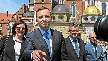 W kampanii wyborczej Andrzej Duda  (na zdjęciu w Krakowie) przekonywał, że samorządy 'muszą mieć zdjętą pętlę z szyi'
