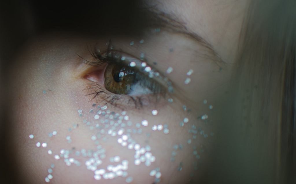 Poznaj trend Shimmery Eye