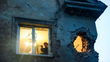Dom w Doniecku po ostrzale, zdjęcie wykonane 1 czerwca