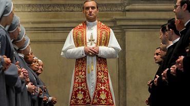 Kadr z serialu ''Młody papież''