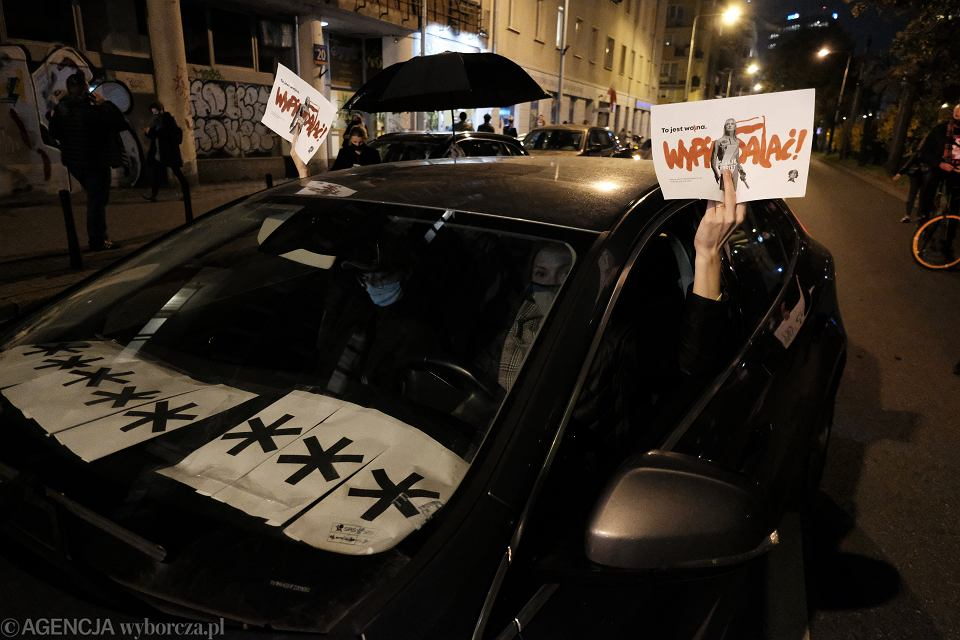 Blokowanie ruchu samochodowego w protescie przeciwko wyrokowi Trybunału Konstytucyjnego w sprawie aborcji, Warszawa 26.10.2020