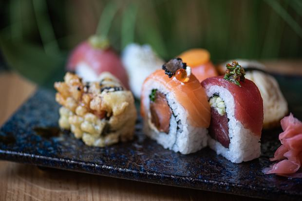 Sushi w Kogo Sushi by Alon