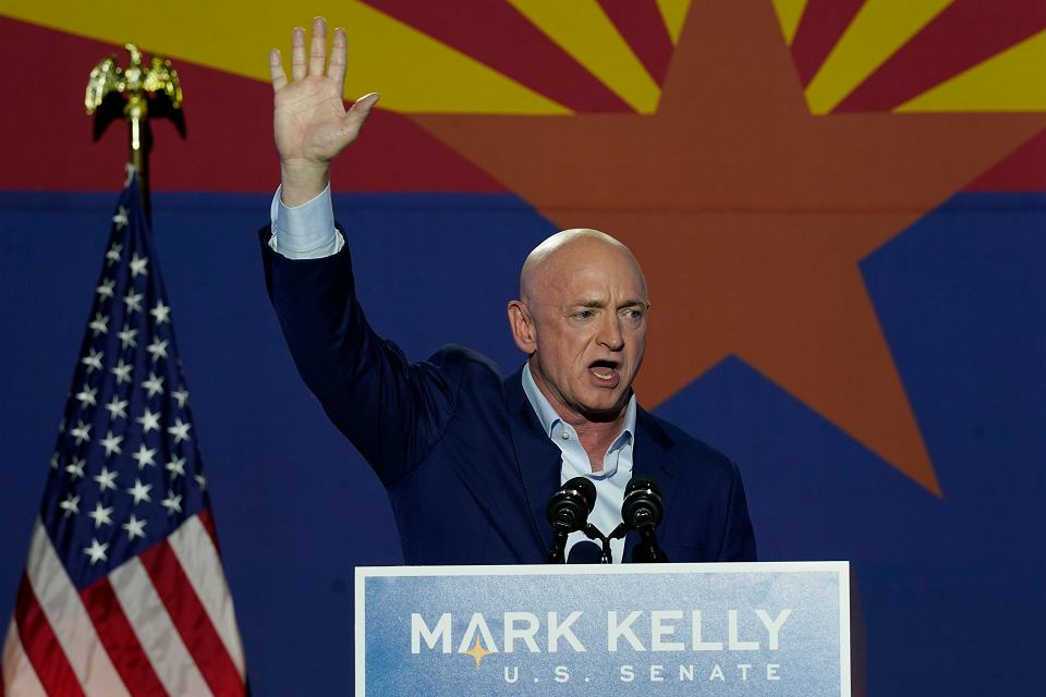 z26479483V,Election-2020-Senate-Kelly.jp