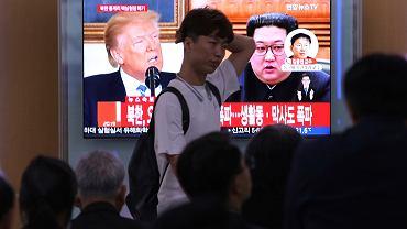 Donald Trump i Kim Dzong Un w materiałach telewizji