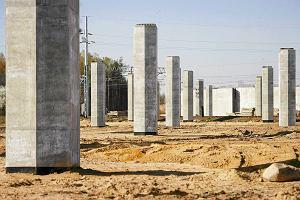 Budowa autostrady A1. Pusty plac, wykonawcy brak